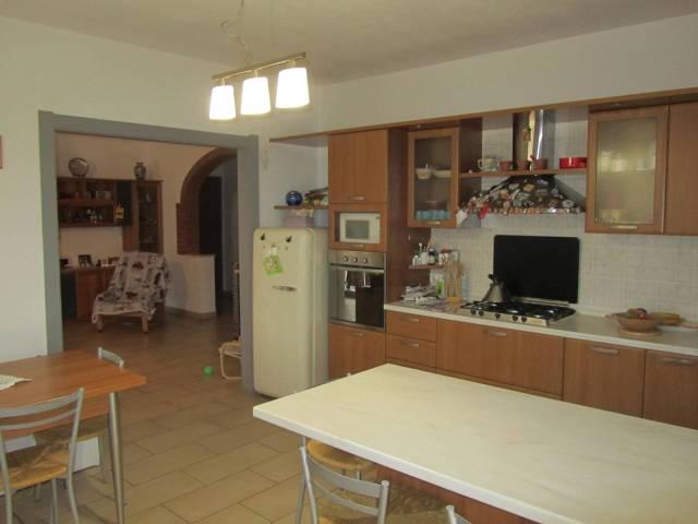 Appartamento in ottime condizioni in vendita Rif. 6391331