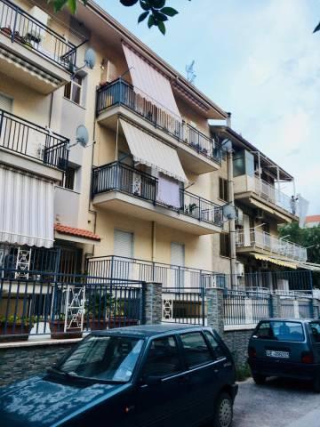 Appartamento in ottime condizioni in vendita Rif. 6402216
