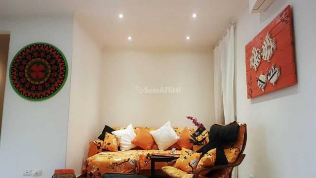 Appartamento in ottime condizioni arredato in affitto Rif. 5621115