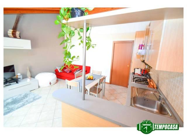 Appartamento in buone condizioni in vendita Rif. 6402353
