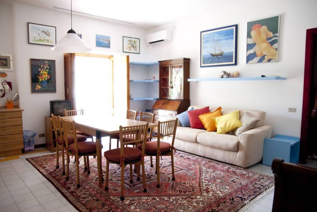 Appartamento ristrutturato ed arredato vicino al mare