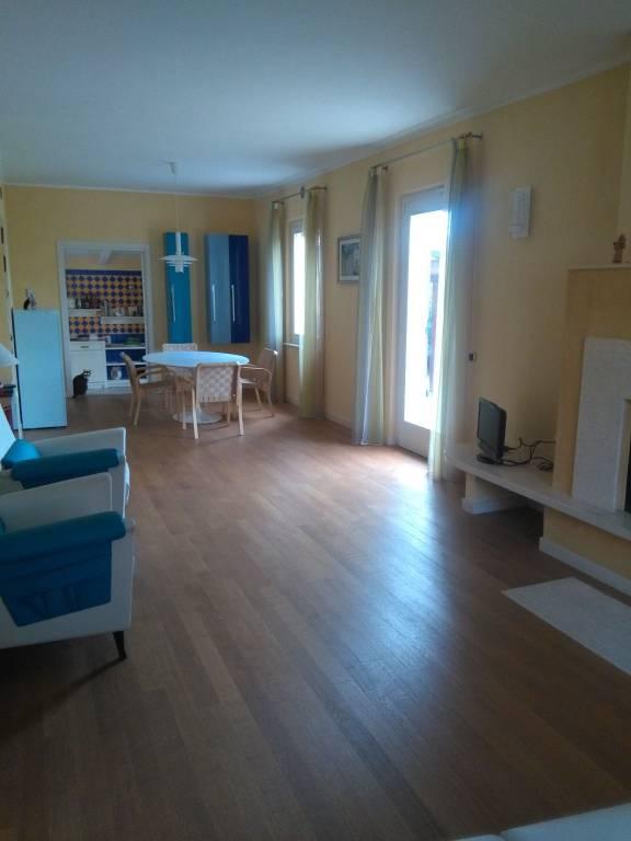 Villa 6 locali in vendita a Fano (PU)