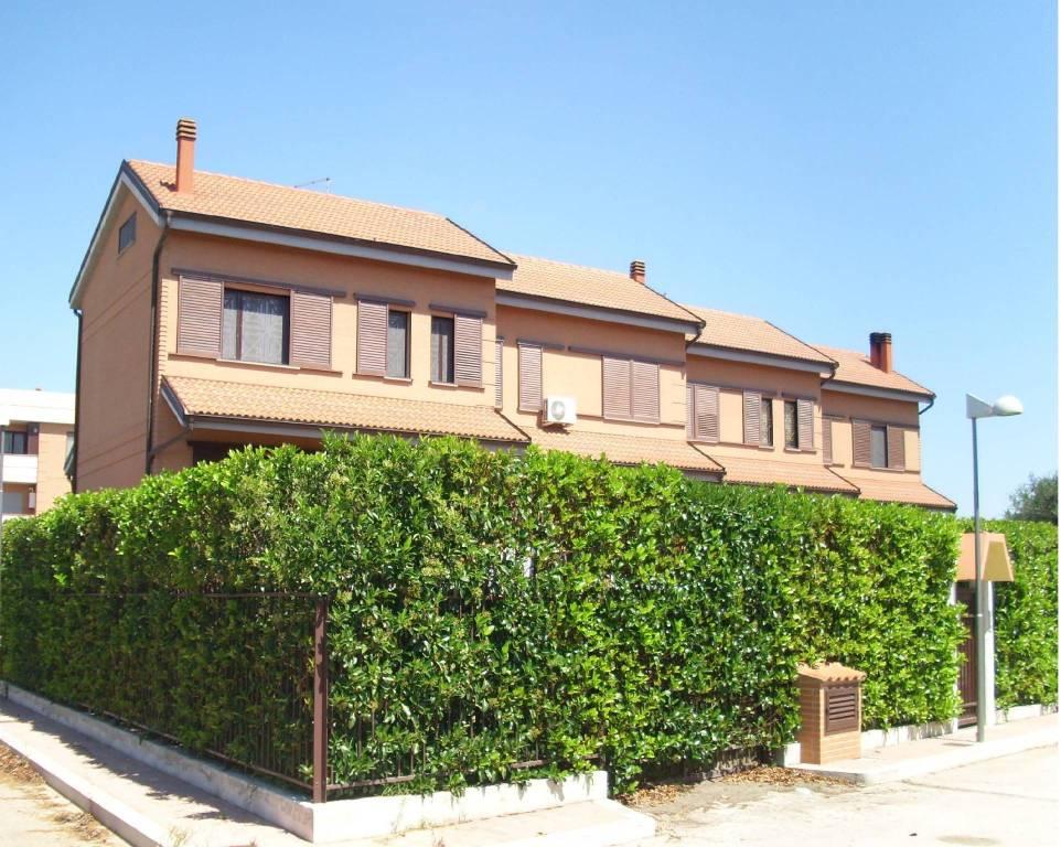 Villetta a schiera in ottime condizioni in vendita Rif. 8886887