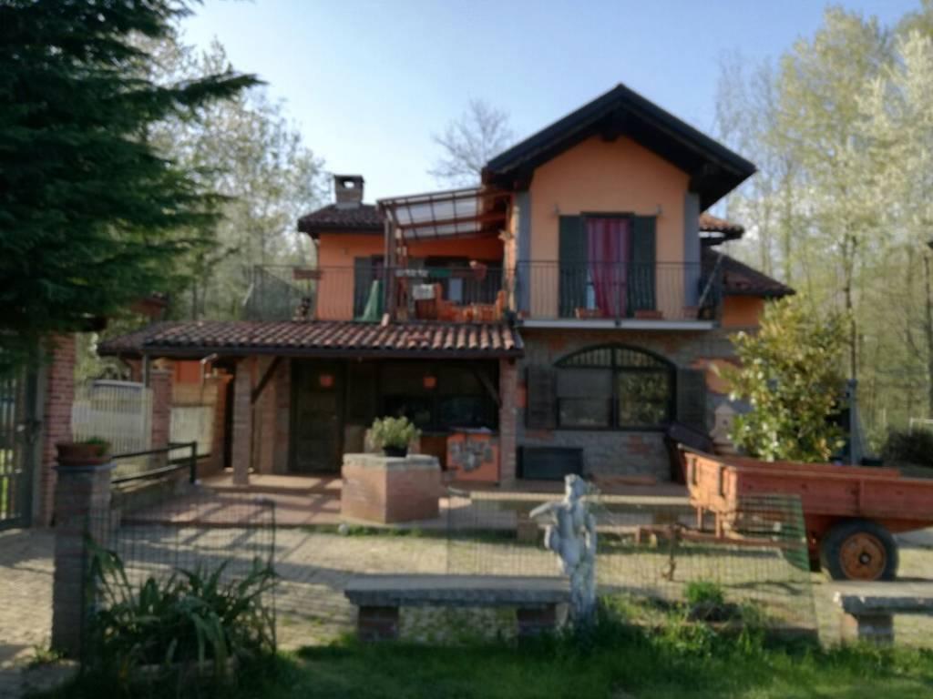 Villa in vendita a Fiano, 5 locali, prezzo € 306.000 | CambioCasa.it