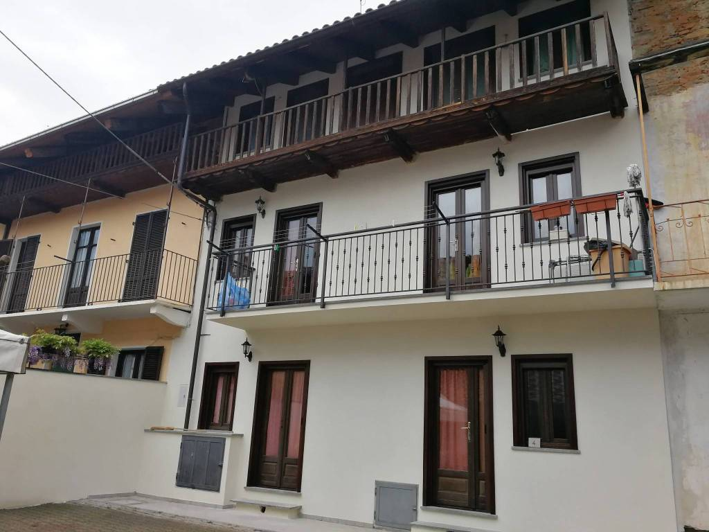 Foto 1 di Villa via Lanzo 4, Balangero