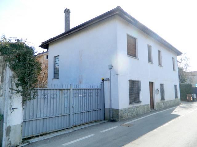 Villa in Vendita a Chieri Centro: 5 locali, 205 mq