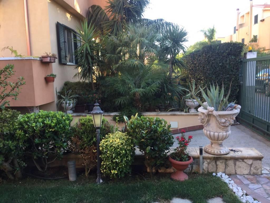 Villa in ottime condizioni parzialmente arredato in vendita Rif. 6416103