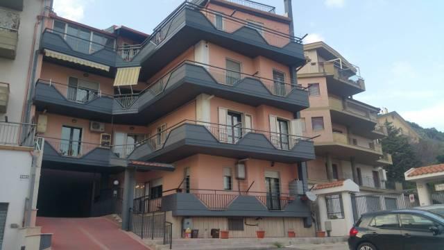 Appartamento in ottime condizioni in vendita Rif. 6946962