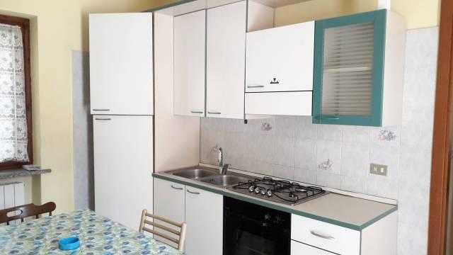 Appartamento in buone condizioni in vendita Rif. 5895048