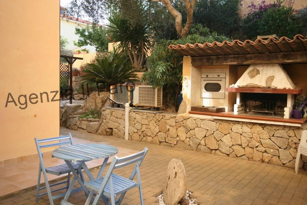 Appartamento in ottime condizioni arredato in vendita Rif. 6415605
