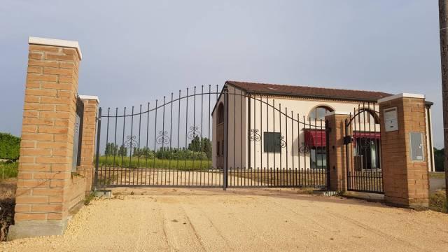 Villa in ottime condizioni in vendita Rif. 5096917