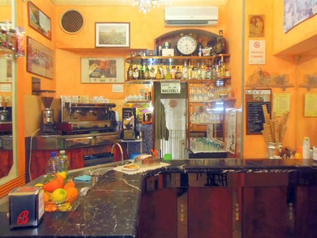 Bar tavola calda - fredda trilocale in vendita a Ragusa (RG)