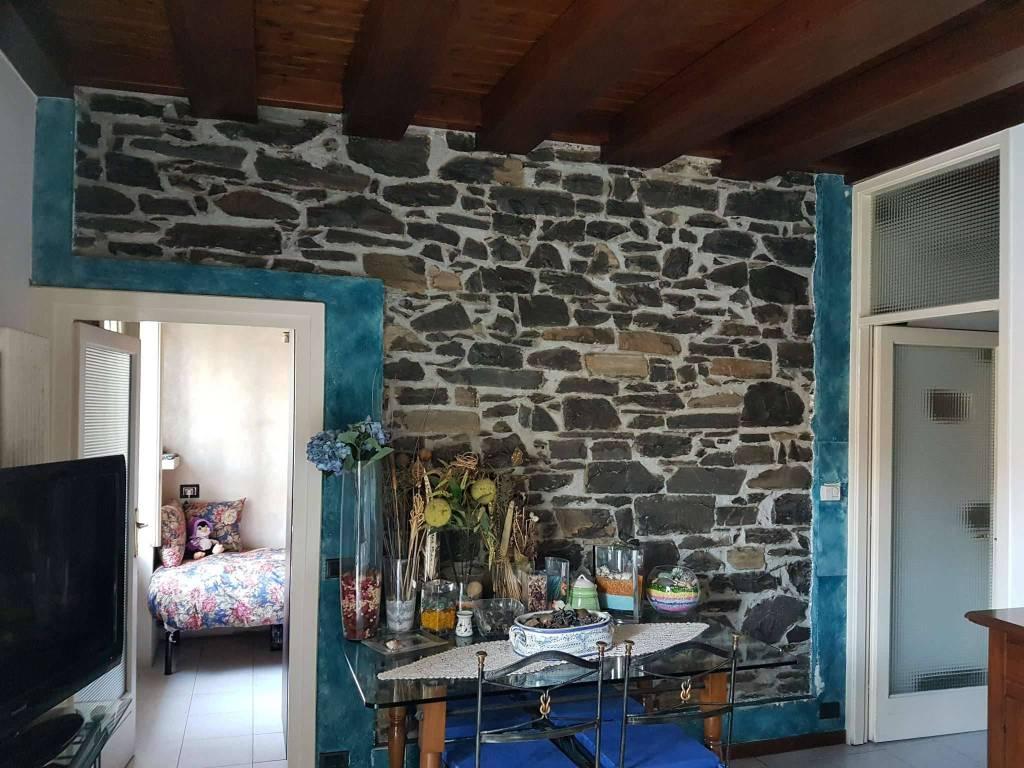 Appartamento in ottime condizioni in vendita Rif. 8173468