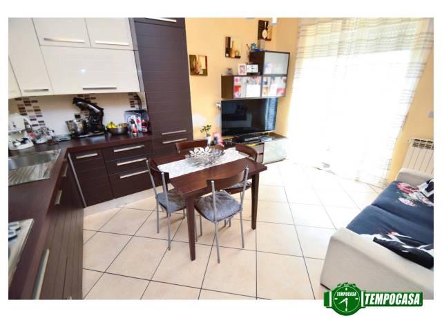 Appartamento in buone condizioni in vendita Rif. 6415045
