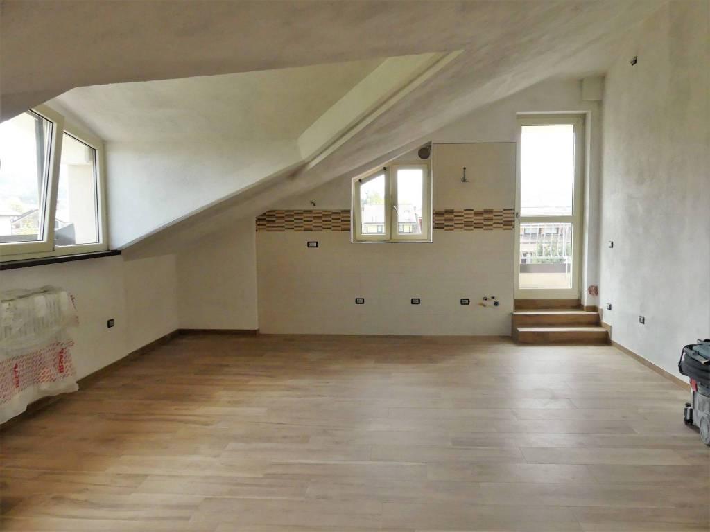 Appartamento in vendita a Borgo San Dalmazzo, 3 locali, prezzo € 120.000 | CambioCasa.it