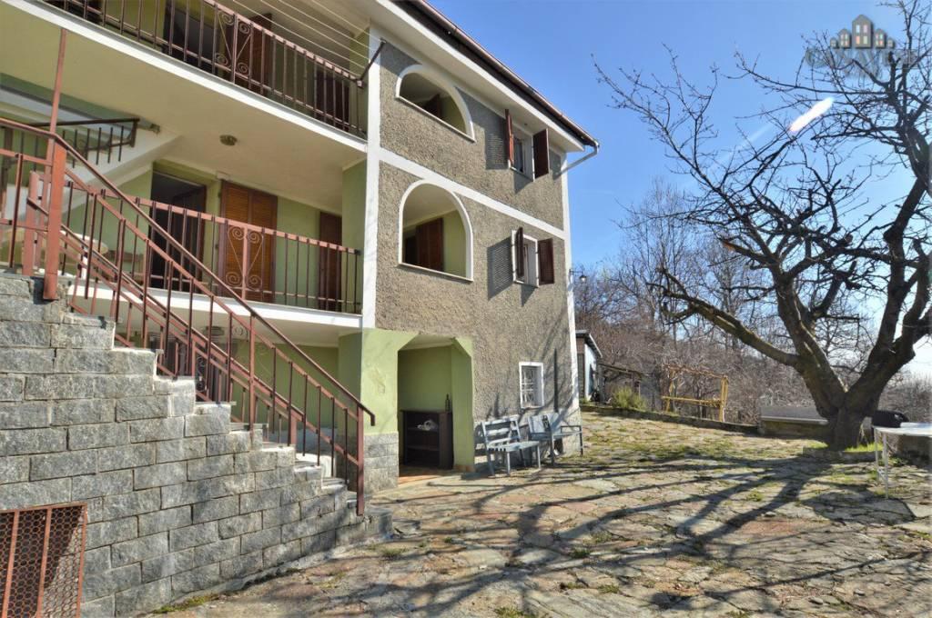 Casa Indipendente in buone condizioni in vendita Rif. 6419288