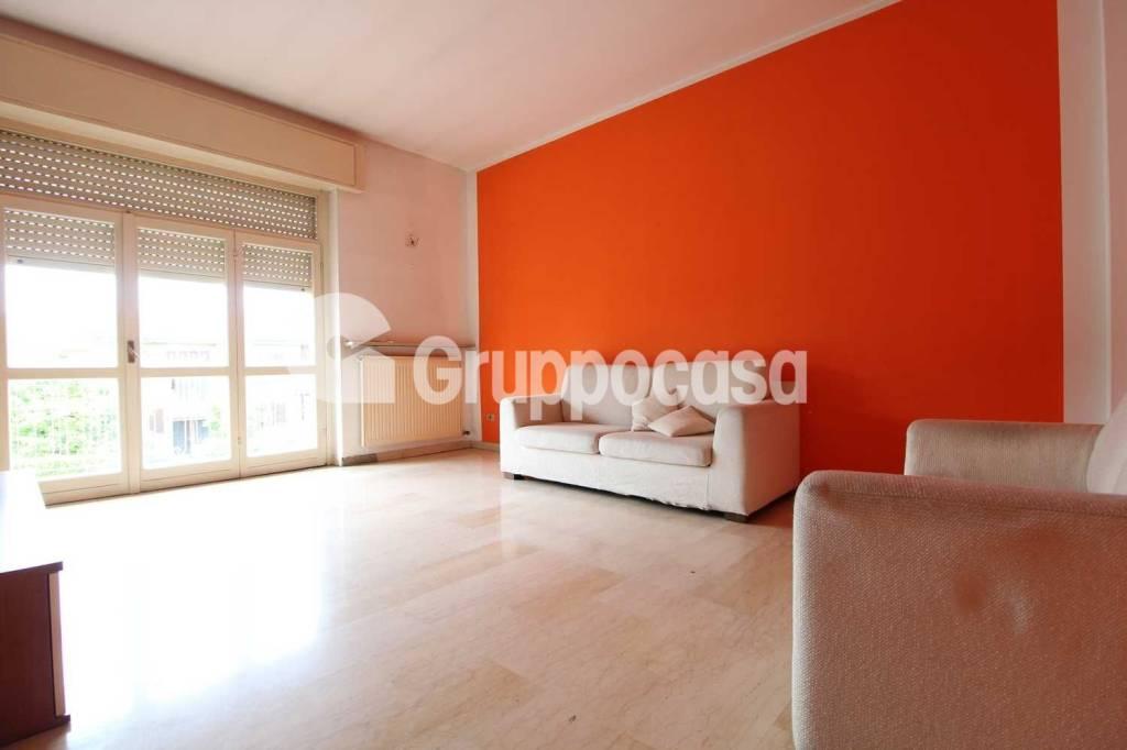Appartamento in buone condizioni parzialmente arredato in vendita Rif. 6414906