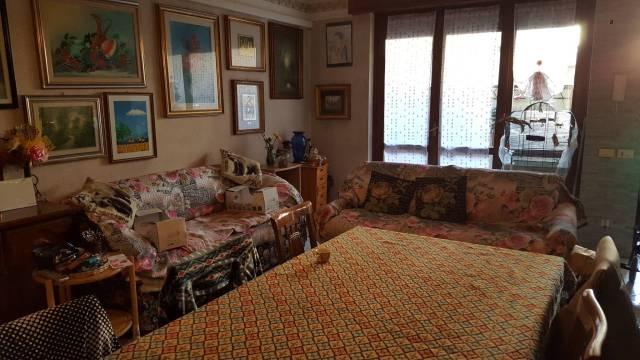 Appartamento in buone condizioni in affitto Rif. 6414910
