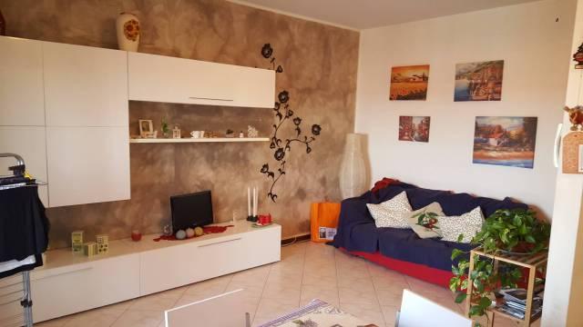 Appartamento in buone condizioni arredato in affitto Rif. 6051280