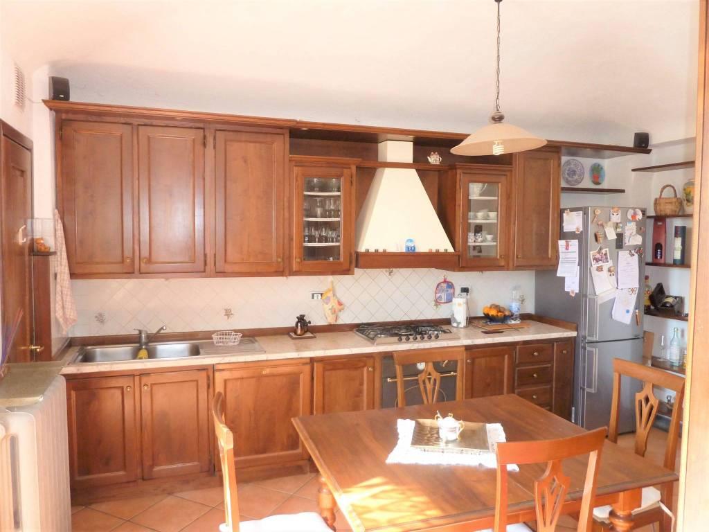 Appartamento in ottime condizioni arredato in affitto Rif. 7689580