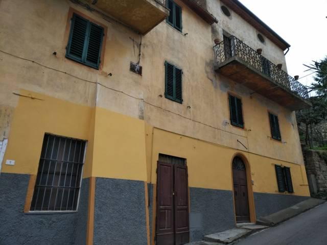 Casa Indipendente in buone condizioni parzialmente arredato in vendita Rif. 6416822