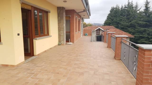 Appartamento in ottime condizioni in affitto Rif. 6430305