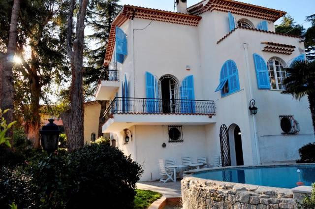 Villa in Vendita a San Remo Semicentro: 5 locali, 290 mq