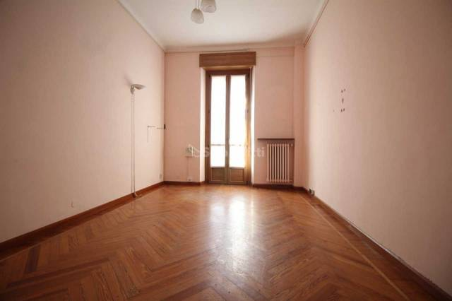 Appartamento in buone condizioni in affitto Rif. 6431509