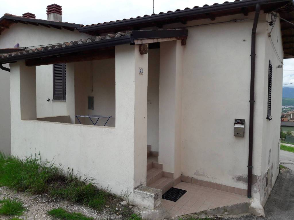 Appartamento trilocale in vendita a L'Aquila (AQ)