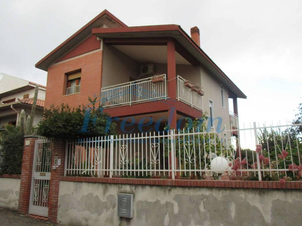Villa singola di tre vani Misterbianco zona Belsito