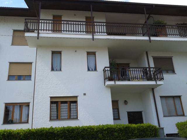 Appartamento in buone condizioni in affitto Rif. 7520179