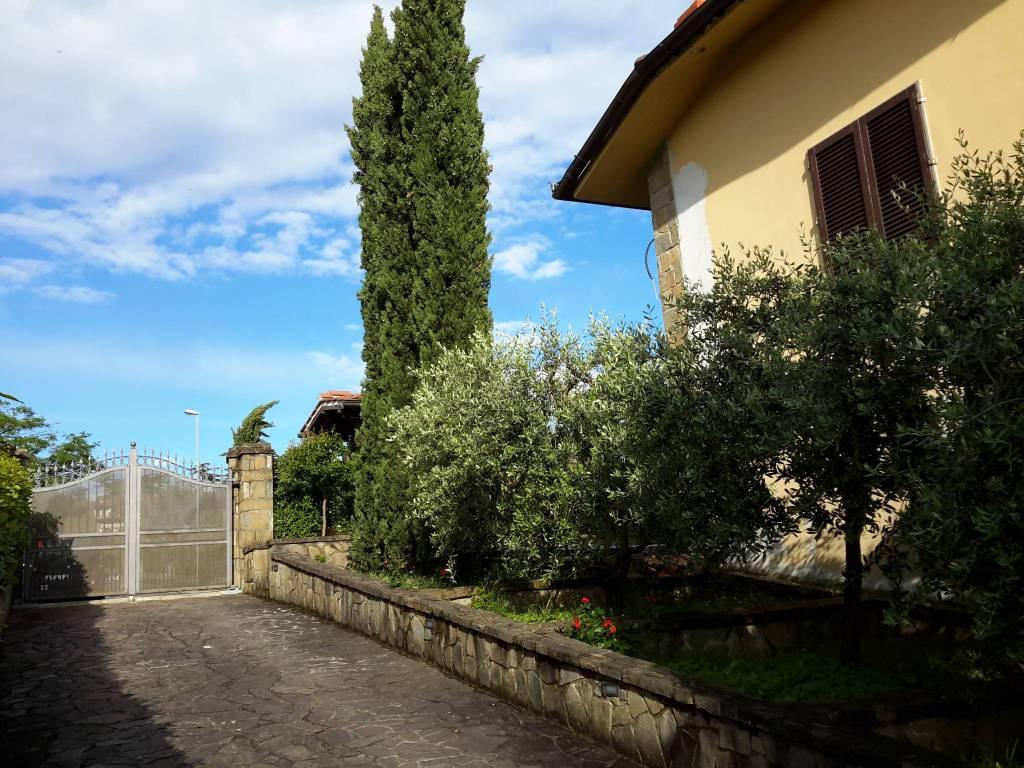 Casa Indipendente in buone condizioni parzialmente arredato in vendita Rif. 7760946