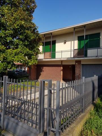 Villa in buone condizioni in vendita Rif. 6451148