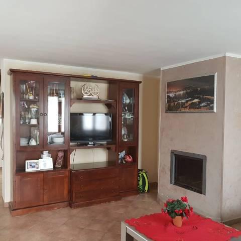 Casa Indipendente in buone condizioni in vendita Rif. 6447597