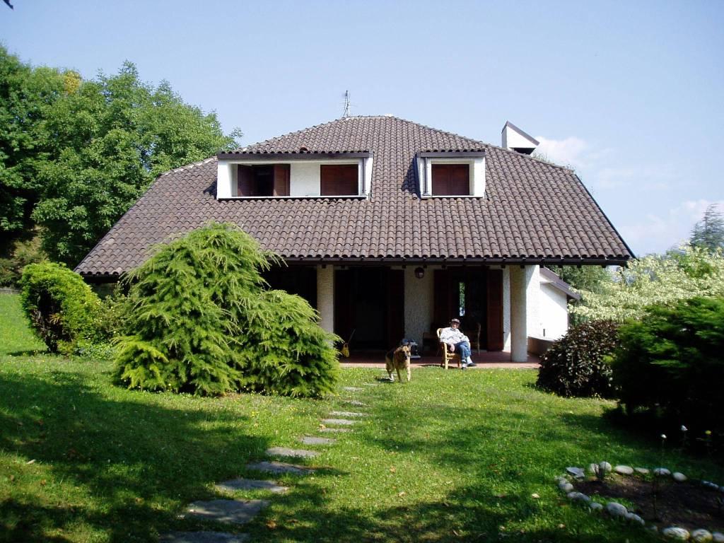 Villa in vendita a Bellagio, 10 locali, prezzo € 550.000 | PortaleAgenzieImmobiliari.it