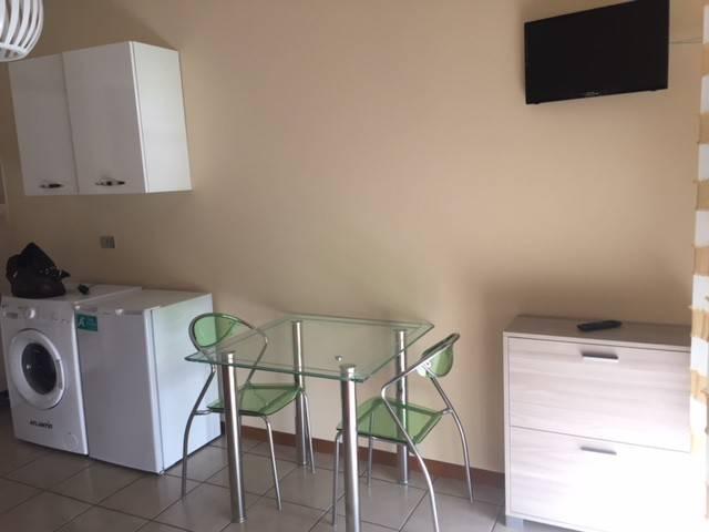 Appartamento in buone condizioni arredato in affitto Rif. 6446688