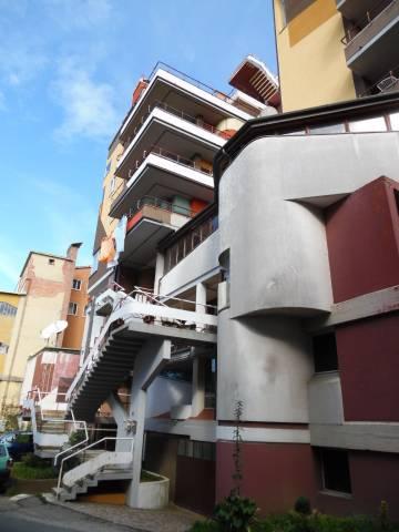 Appartamento in buone condizioni parzialmente arredato in vendita Rif. 6448794