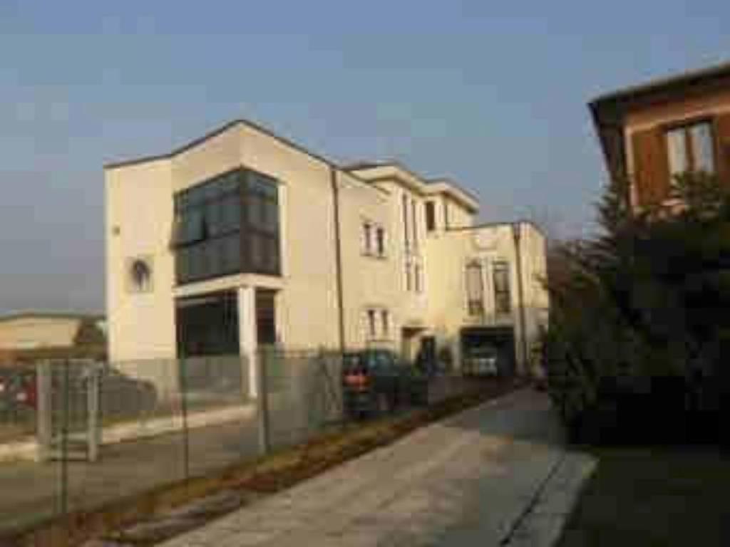 Appartamento da ristrutturare in vendita Rif. 6421158
