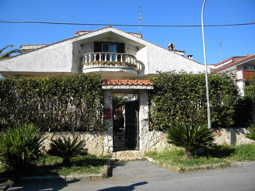 Villa in vendita via Giorgio Vasari 8B Guidonia Montecelio