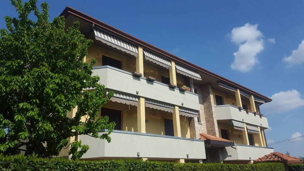 Appartamento in ottime condizioni in vendita Rif. 6449545