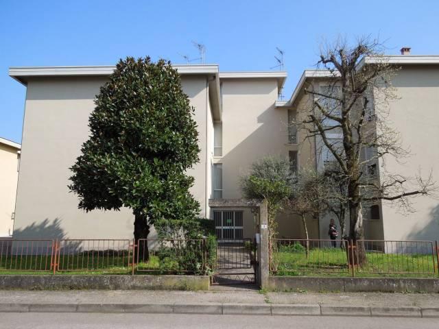 Appartamento in buone condizioni arredato in vendita Rif. 6447590