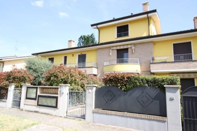 Appartamento in ottime condizioni parzialmente arredato in vendita Rif. 6460226