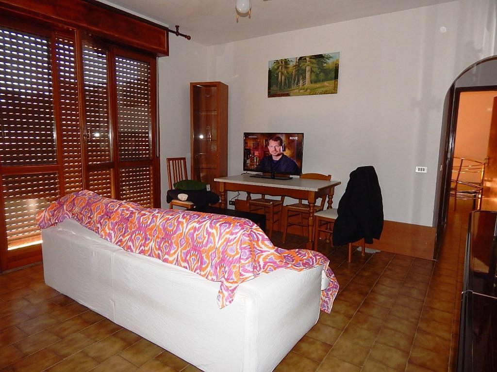 Appartamento in vendita a Cassolnovo, 2 locali, prezzo € 57.000   CambioCasa.it