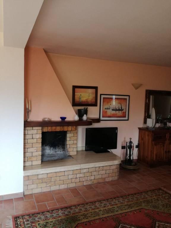 Villa in ottime condizioni in vendita Rif. 7758482