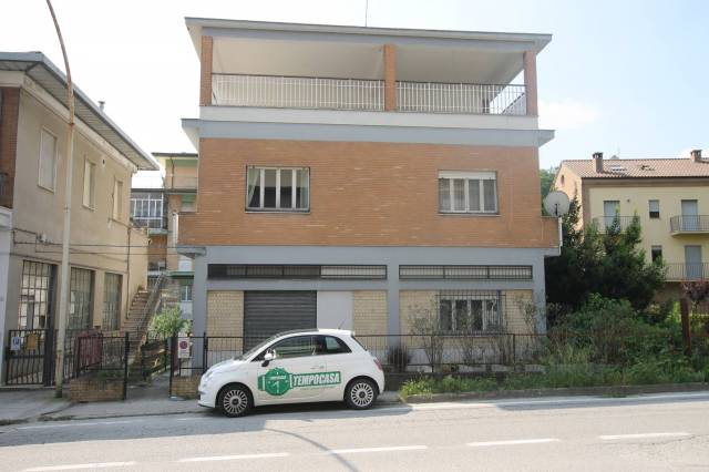 Casa Indipendente in buone condizioni arredato in vendita Rif. 5685373