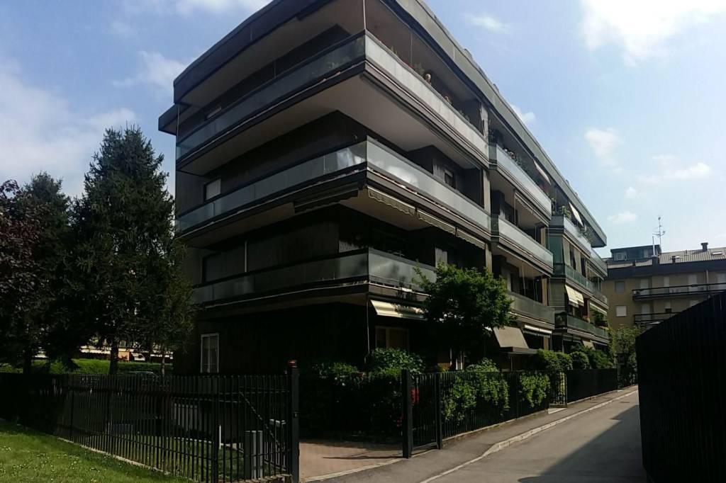 Appartamento in vendita via Luigi Einaudi 17 Arese