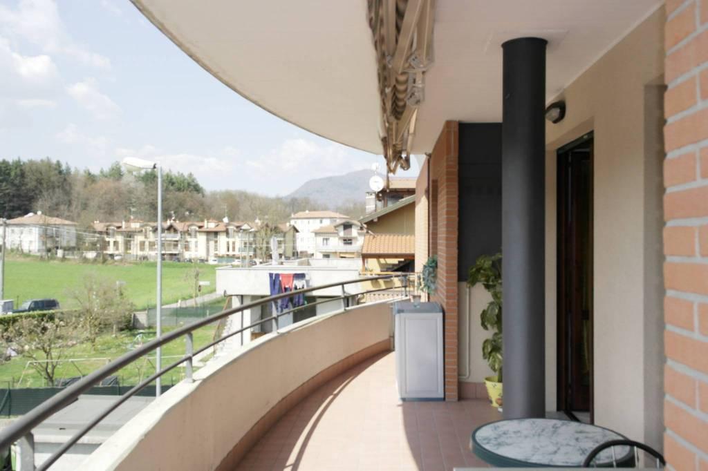 Appartamento in vendita a Viggiù, 3 locali, prezzo € 172.000 | CambioCasa.it
