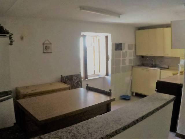 Appartamento da ristrutturare in vendita Rif. 6459337