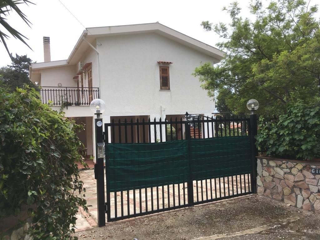 Villa in Vendita a Santa Flavia Periferia: 5 locali, 242 mq