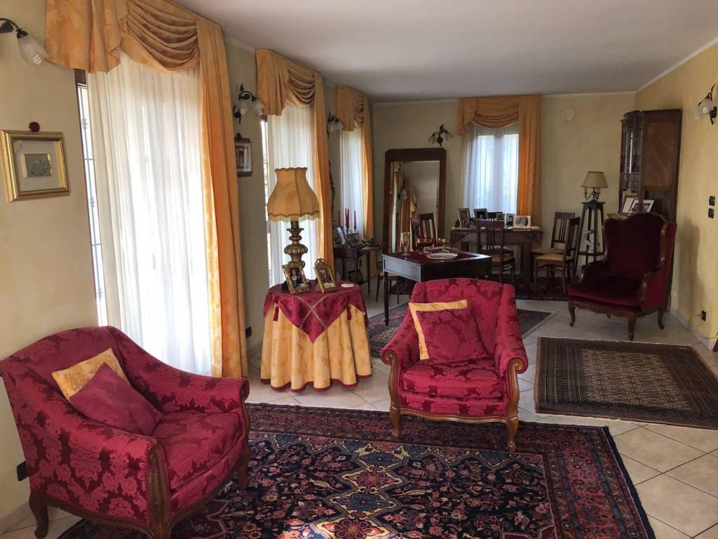 Appartamento in ottime condizioni in vendita Rif. 6464883